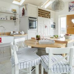 Island unit with breakfast bar   Makeover   Country-style kitchen   housetohome.co.uk