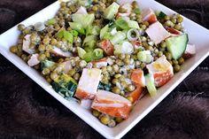 Doperwtensalade met gerookte kip || kipfilet, doperwten, komkommer, lente-uitjes, yofresh, mosterd, peper en zout Salad Recipes, Healthy Recipes, Healthy Food, Vegetable Salad, Cobb Salad, Cravings, Yummy Food, Lunch, Vegetables