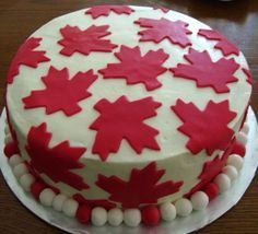 Don't let the weather get you down this Canada Day. Barrel through with an amazing Canada Day recipe that'll make you forget about the dreary rain. Canada Day Long Weekend, Canada Day Party, Happy Canada Day, Canadian Party, Canadian Snacks, Canadian Recipes, Canada Holiday, Cupcake Cakes, Cupcakes