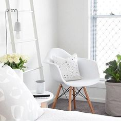 In love with this space - so simple and elegant. Absolutely loving the hanging pendant over the ladder and this chair  and the touch of greenery is just perfect. I could definitely stay in this space and feel inspired all day.  I love mixing up the spaces where I work on my business. I find different areas inspire me in different ways. How about you? Do you have one place you work in or do you move about as well?? #regram by the stunning @refine.design by thedailyfemme