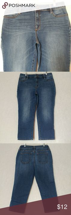 """St John's Bay Stretch Capri Jeans Size 12 St Johns Bay Womens Size 12 Jeans Stretch Capri Short Med Wash Cotton Blend  Gently pre-owned no flaws, stains or holes  Material - 70% Cotton, 20% Polyester, 2% Spandex  Waist - 17""""  Inseam - 22""""  Rise - 10.5"""" St. John's Bay Pants Capris"""