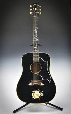 Elvis Presley Stage-Used Guitar from January 14, 1973 <em>Aloha from Hawaii</em> Concert – Given to Fan in the Front Row on July 24, 1975 in Asheville, North Carolina