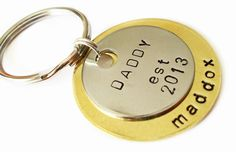 Personalized Mens Keychain Customized Key Ring New dad Birthday Gift Idea for Fathers Day Gifts For New Dads, Fathers Day Gifts, Man Birthday, Birthday Gifts, Daddy Day, Diy Baby Gifts, Silver Man, Metal Stamping, Party Gifts