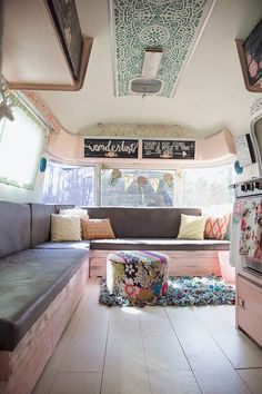 Astounding Top 60+ DIY Camper Interior Remodel Ideas You Can Try Right Now https://decoor.net/top-60-diy-camper-interior-remodel-ideas-you-can-try-right-now-970/