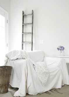 Rustic white interiors, breezy, relaxed and inviting; combining brocante finds with a contemporary pared-down look. Living Room Furniture, Living Room Decor, Cozy Reading Corners, Custom Drapes, Rustic White, White Houses, Cool House Designs, Shabby Chic, Interior Design