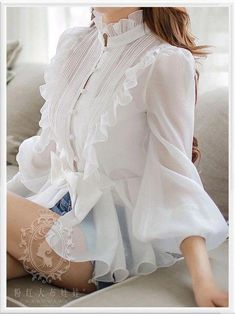 Shop Sexy Trending Dresses – Chic Me offers the best women's fashion Dresses deals Hijab Fashion, Korean Fashion, Fashion Dresses, Blouse Styles, Blouse Designs, Classy Outfits, Chic Outfits, Beautiful Blouses, Blouses For Women