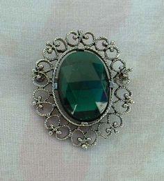 Emerald Green Oval Rose Cut Brooch Openwork Frame Vintage Jewelry