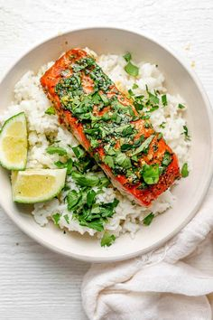 Garlic Cilantro Baked Salmon {Easy Marinade} - FeelGoodFoodie Salmon Recipes, Fish Recipes, Seafood Recipes, Dinner Recipes, Easy Healthy Meal Prep, Easy Healthy Recipes, Vegetarian Recipes, Healthy Meals, Healthy Choices