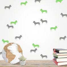 Vinilo decorativo Perros.  Dale un aire original y divertido a tus paredes con este vinilo decorativo de perros salchicha. DISFRÚTALO EN NUESTRA WEB: http://dolcevinilo.es/vinilo-perros