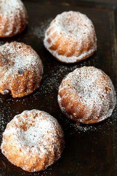 Mini túrós kuglóf Hungarian Cuisine, Hungarian Recipes, Hungarian Cake, Hungarian Food, Muffin, Sweet And Salty, Cake Cookies, Cake Recipes, Main Dishes