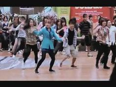 Million Flash Mob Dance at Singapore Airport