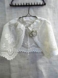 lace caplet