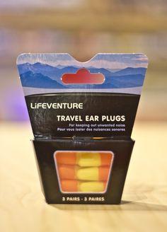 Bouchons pour oreilles. -Fortement suggéré pour les oreilles sensibles...!