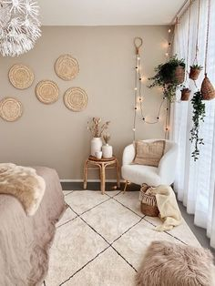 Boho Chic Bedroom, Boho Room, Beige Walls Bedroom, Boho Teen Bedroom, Beige Room, Bohemian Bedrooms, Bedroom Wall Colors, Taupe Rooms, Beige Bedding