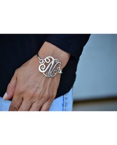 Stay fabulous with this must have monogram bangle.  This bangle is a great touch of polish to work casual outfits,   and perfect for pairing or stacking with other bracelets.  Makes a Unique Bridesmaid Gift.  Also perfect Special Gift for: school teachers, family members, friends...