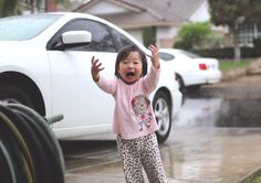 This Little Girl Seeing Rain For The First Time Is The Cutest Thing You'll See Today
