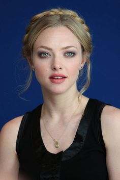 Amanda Seyfried – Mooie make-up. Beautiful Celebrities, Beautiful Actresses, Beauté Blonde, Jenifer Lawrence, Braut Make-up, Tips Belleza, Beautiful Eyes, Beautiful Braids, Wedding Makeup