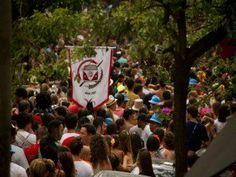 Bloco Confraria do Pasmado faz roda de samba em Pinheiros