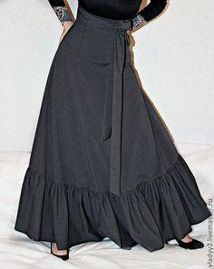 серая юбка-макси с воланом