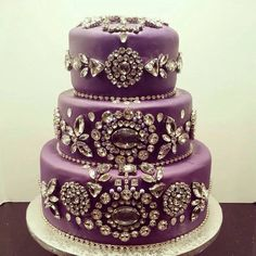 This is beautiful. Cake by Tastfully Marians. Regram via @dconcierge_events
