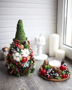 Natural and sophisticated Christmas decoration ideas in cotton flowers – 2019 - Cotton Diy Christmas Tree Themes, Christmas Mood, Xmas Tree, Christmas Traditions, Christmas Wreaths, Christmas Crafts, Christmas Ornaments, Holiday Decor, Christmas Flower Arrangements