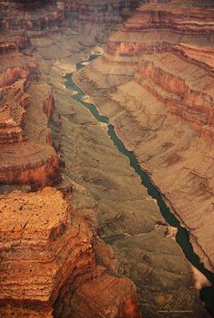 Grand Canyon and the Colorado River, Arizona, USA. Great shot perfect place to go for a road trip. Places Around The World, Oh The Places You'll Go, Places To Travel, Places To Visit, Around The Worlds, Arches Nationalpark, Yellowstone Nationalpark, Foto Nature, Le Colorado