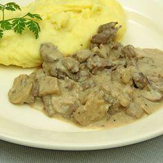 Rognons de porc à la crème Creme, Mashed Potatoes, Chicken, Meat, Ethnic Recipes, Food, Dinner Entrees, Wine Glass, Eten