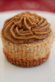 "Tortillas and Honey: Cinnamon Cupcakes with Pumpkin Pie ""Frosting"""