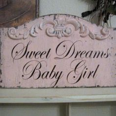 Shabby chic nursery, I need to find this for Punkie!!! @Hale Erdem Öktenay See