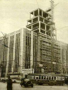 1928 Karstadt am Hermannplatz in Bau                                                                                                                                                                                 Mehr