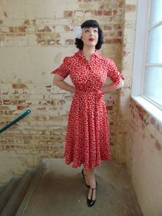 """The Vintage Inspired """"Iris"""" Tea Dress in Red Clove Print by The Seamstress of Bloomsbury 1940s Outfits, 1940s Dresses, Vintage Dresses, Dress Outfits, Vintage Outfits, Cute Outfits, 50s Vintage, 1940s Fashion, Girl Fashion"""
