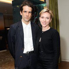 海外セレブニュース&ファッションスナップ: 【スカーレット・ヨハンソン】なんだか微妙なヘアスタイルで、離婚申請中の夫とイベントに登場!