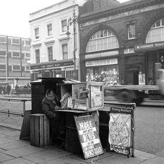 Newspaper vendor. Edgeware Road : FREDERICK WILFRED