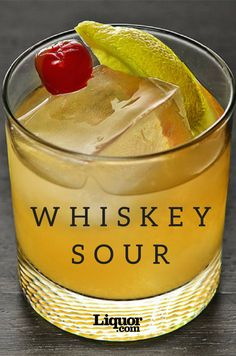 The Whiskey Sour is one classic cocktail that won't make you sour. Drinks Classics You Should Know: The Whiskey Sour Sour Cocktail, Cocktail Drinks, Fun Drinks, Yummy Drinks, Cocktail Recipes, Beverages, Bourbon Cocktails, Classic Cocktails, Amaretto Drinks