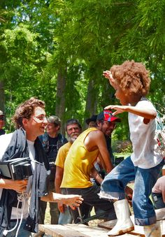 Behind The Scenes: Benh Zeitlin and Quvenzhané Wallis on-set of Beasts of the Southern Wild