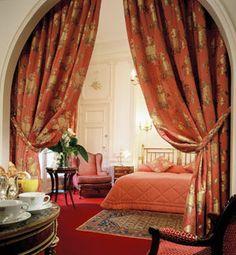 Hotel Regina Paris in Paris, France - Hotel Travel Deals | Luxury Link