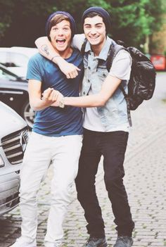 Zayn One Direction, Members Of One Direction, One Direction Pictures, Tumblr Gay, Strong Love, Best Friend Goals, Larry Stylinson, Liam Payne, No One Loves Me