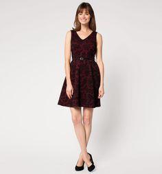Samtiges Kleid
