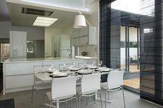 14 Lammi-Kivitalo Villa Hesse | Asuntomessut Kitchen Dining, Dining Room, Hesse, Interior Design, Interior Ideas, Villa, Minimalist, Cottage, Mirror