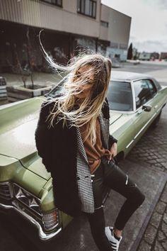 23 Ideas Photography Women Fashion Lifestyle For 2019 Urban Fashion Photography, Photography Poses Women, Fashion Photography Inspiration, Outdoor Photography, Girl Photography, Photography Ideas, Lifestyle Photography, Photography Hashtags, Photography Books