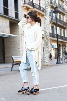 """the-streetstyle: """"Busy Day """" Warm Outfits, Casual Outfits, Fashion Outfits, Indie Fashion, Types Of Fashion Styles, Beautiful Outfits, Street Style, My Style, How To Wear"""