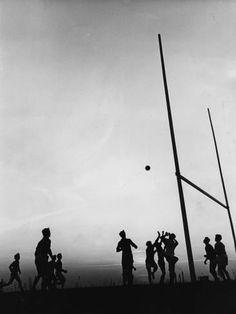 Photographic Print: Gaelic Football by Fox Photos : 24x18in