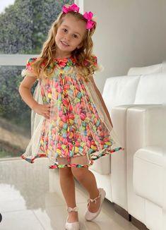 Baby Girl Dress Patterns, Baby Dress Design, Baby Clothes Patterns, Cotton Frocks For Kids, Kids Frocks, Girls Summer Outfits, Kids Outfits, Baby Girl Dresses Diy, Kids Blouse Designs
