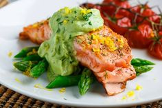 Seared Salmon in Dill Avodaise (Avocado Hollandaise) Sauce. Bake at 350 degrees F 30 minutes until salmon is flaky and vegetables are tender. Salmon Recipes, Fish Recipes, Seafood Recipes, Cooking Recipes, Healthy Recipes, Cooking Ideas, Avocado Recipes, Appetizer Recipes, Salmon Dishes