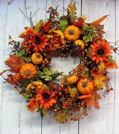 Jesenný veniec na dvere na 45 spôsobov. Ktorý by ste si vybrali vy? - sikovnik.sk Autumn Wreaths, Holiday Wreaths, Wreath Fall, Spring Wreaths, Wreaths For Front Door, Door Wreaths, Ribbon Wreaths, Burlap Wreaths, Twig Wreath