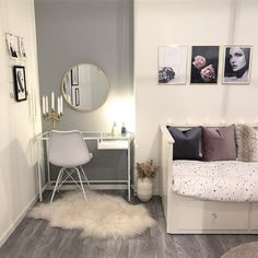[New] The 10 All-Time Best Home Decor (Right Now) - On A Budget by Jennie Cross - Inspo for cute study or work desk in the bedroom Room Ideas Bedroom, Small Room Bedroom, Bedroom Decor, Living Room Pillows, Home Living Room, Simple Room Decoration, Aesthetic Room Decor, Luxurious Bedrooms, Living Room Inspiration
