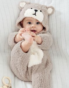 9 Ultimate Tips For A Newborn Baby Photoshoot With Spyne So Cute Baby, Cute Baby Boy Photos, Cute Little Baby Girl, Cute Kids Pics, Cute Baby Videos, Baby Kind, Cute Baby Clothes, Brei Baby, Cute Babies Photography