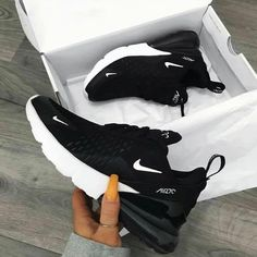 Nike Air Max 270 in black - one of the most popular sneakers this year! - Everything is here - Nike Air Max 270 in black – one of the most popular sneakers this year! White Nike Shoes, Nike Air Shoes, White Nikes, White Sneakers, Women Nike Shoes, Ladies Shoes, Shoes Sport, Cool Nike Shoes, Burgundy Sneakers