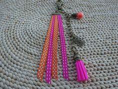 Porte clés ou bijou de sac rubans et breloques : Porte clés par…