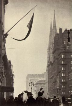 Paul Strand - Fifth Avenue, New York - 1915